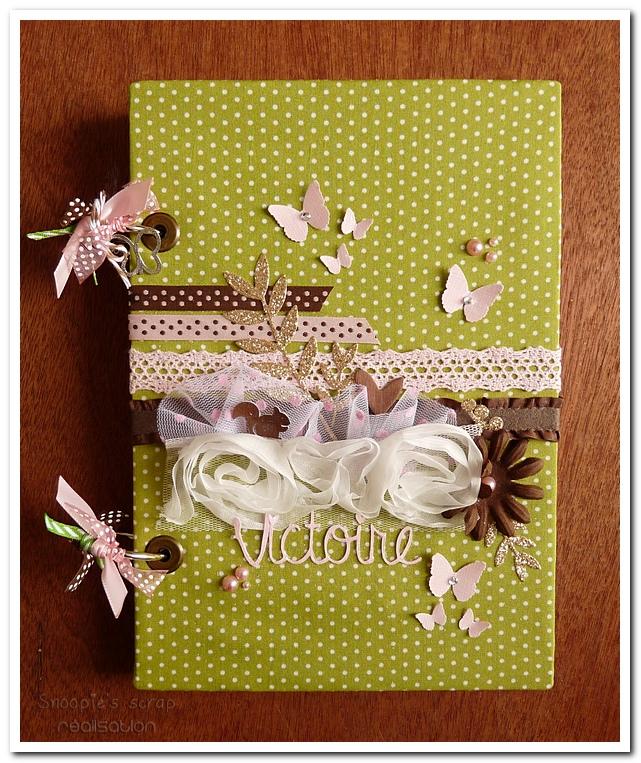 livre naissance victoire - vert, rose et marron - fôret enchantée (1)