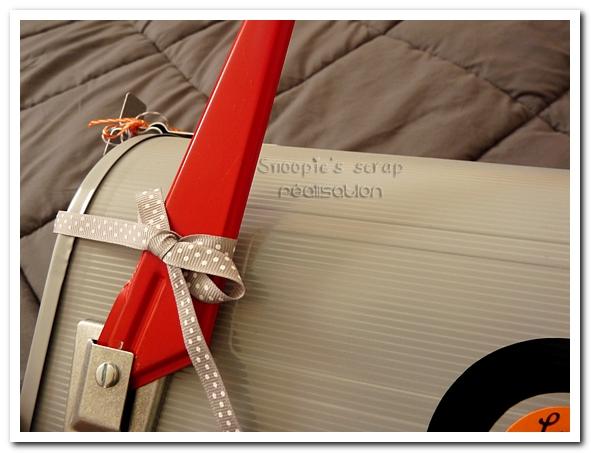 urne-mailbox-marie-laure-gregoire-fifties-orange-gris-8