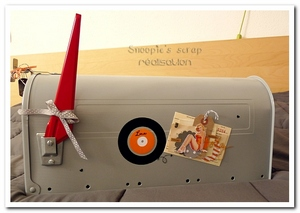 urne-mailbox-marie-laure-gregoire-fifties-orange-gris-urne